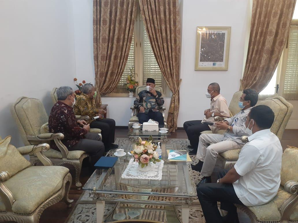 pemprov_sumbar_dan_universitas_bung_hatta_gelar_festival_film_pendek_bung_hatta_muda_untuk__mahasiswa_dan_siswa_se-indonesia
