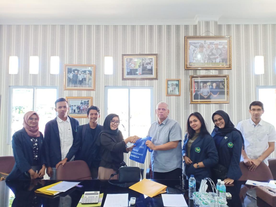 Mahasiswa Prodi Manajemen FEB  Field Trip ke PT Kunango Jantan