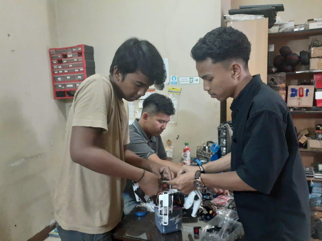 Tim Robot Universitas Bung Hatta Optimis Lolos Seleksi Tahap 2