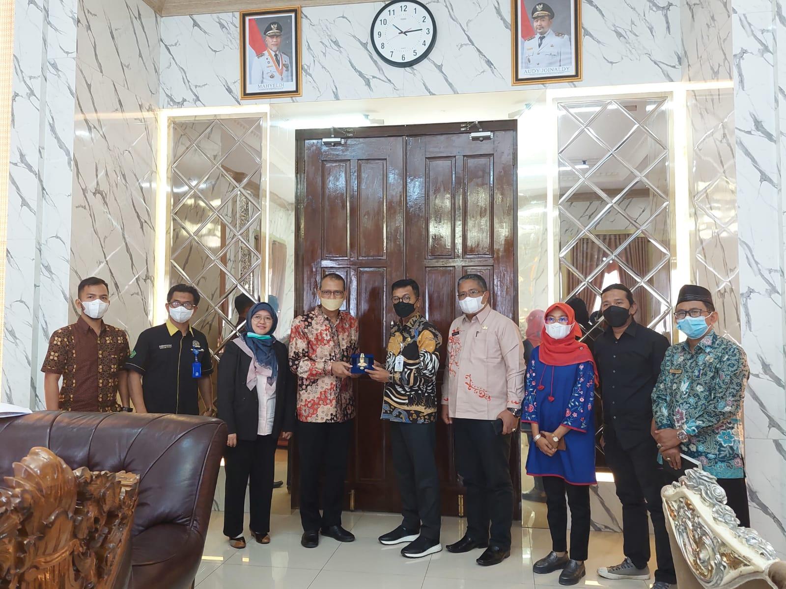 Implementasi MBKM, Universitas Bung Hatta Perkuat Kerja Sama dengan Pemkab. Solok Selatan