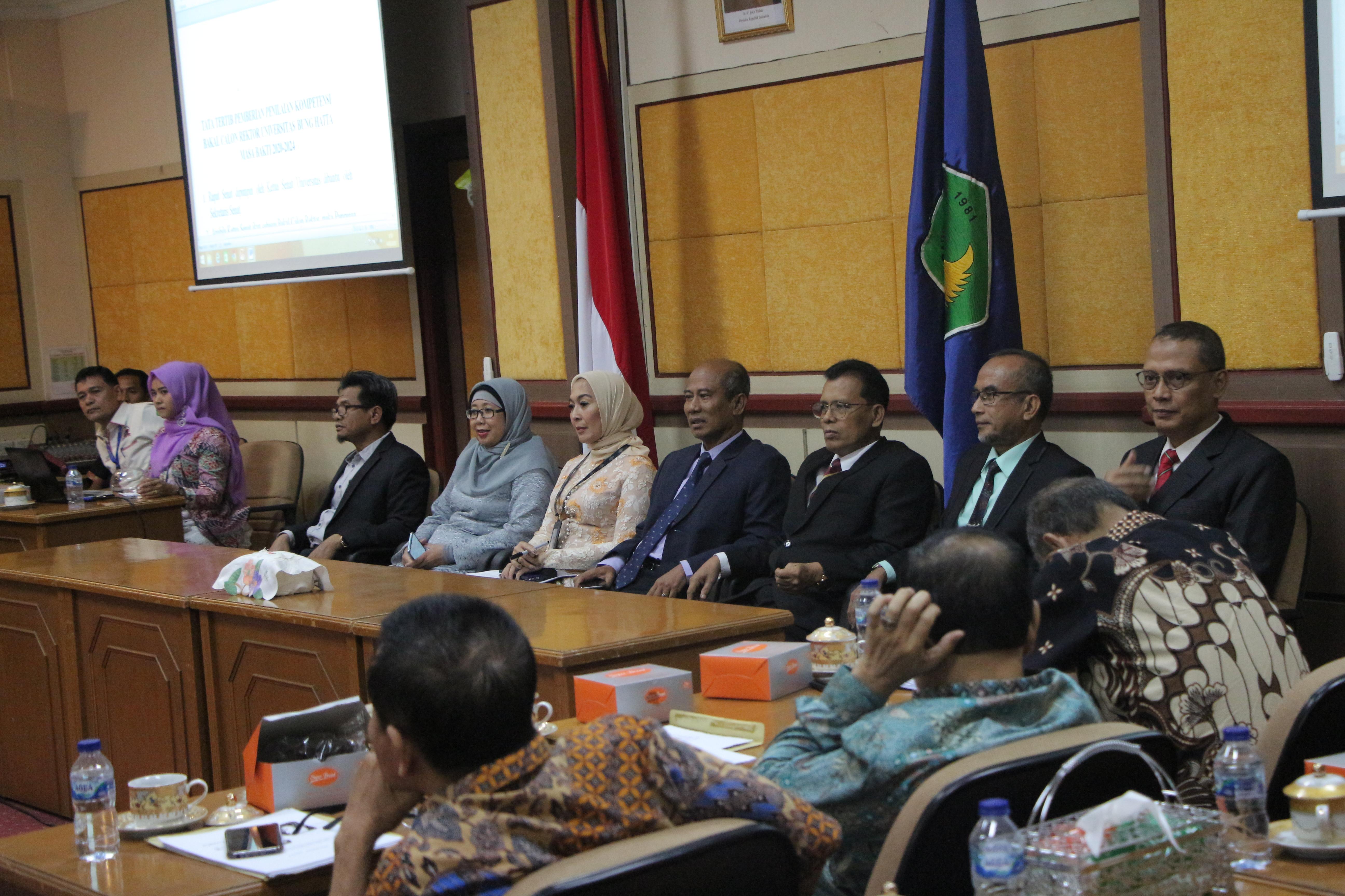 Tujuh Balon Rektor Univ. Bung Hatta Periode 2020-2024 Sampaikan Visi-Misi di Hadapan Senat Universitas