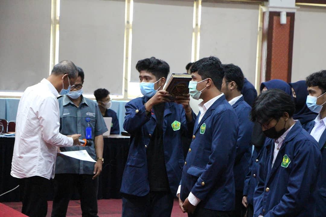 Rektor Universitas Bung Hatta Secara Resmi Melantik Kepengurusan DPMM dan BEMU 2020/2021