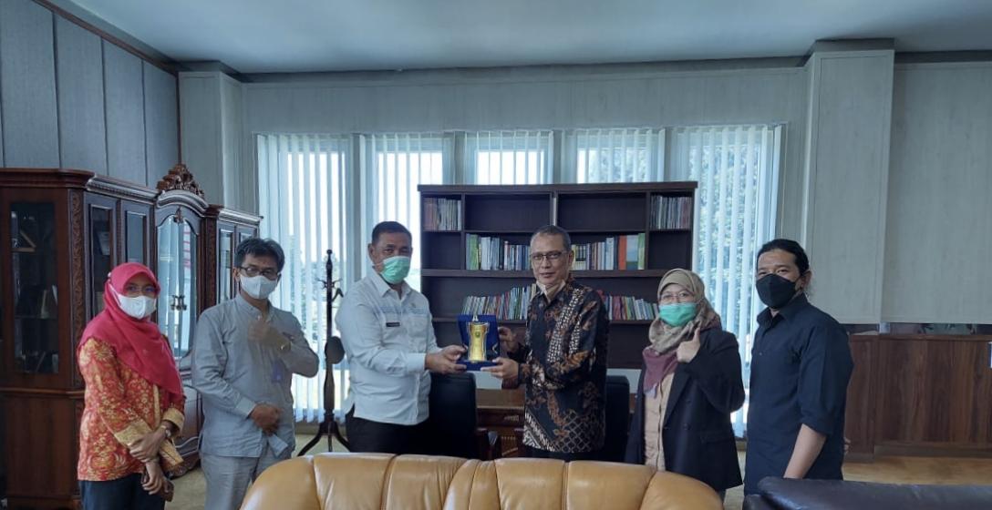 Perkuat Kerja Sama, Rektor Universitas Bung Hatta dan Rombongan Kunjungi Pemkab. Solok